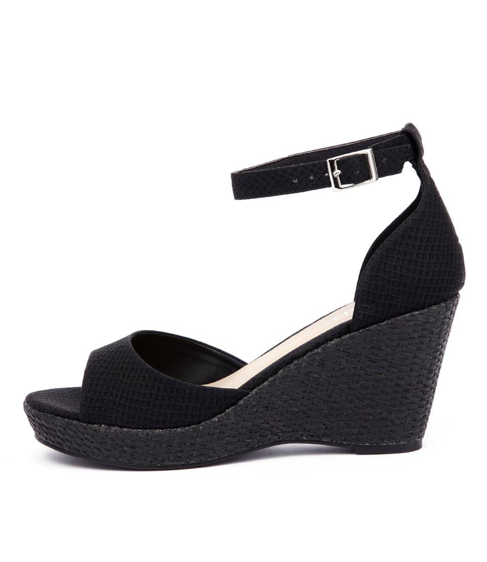 Verali Prem Ve Black Sandals