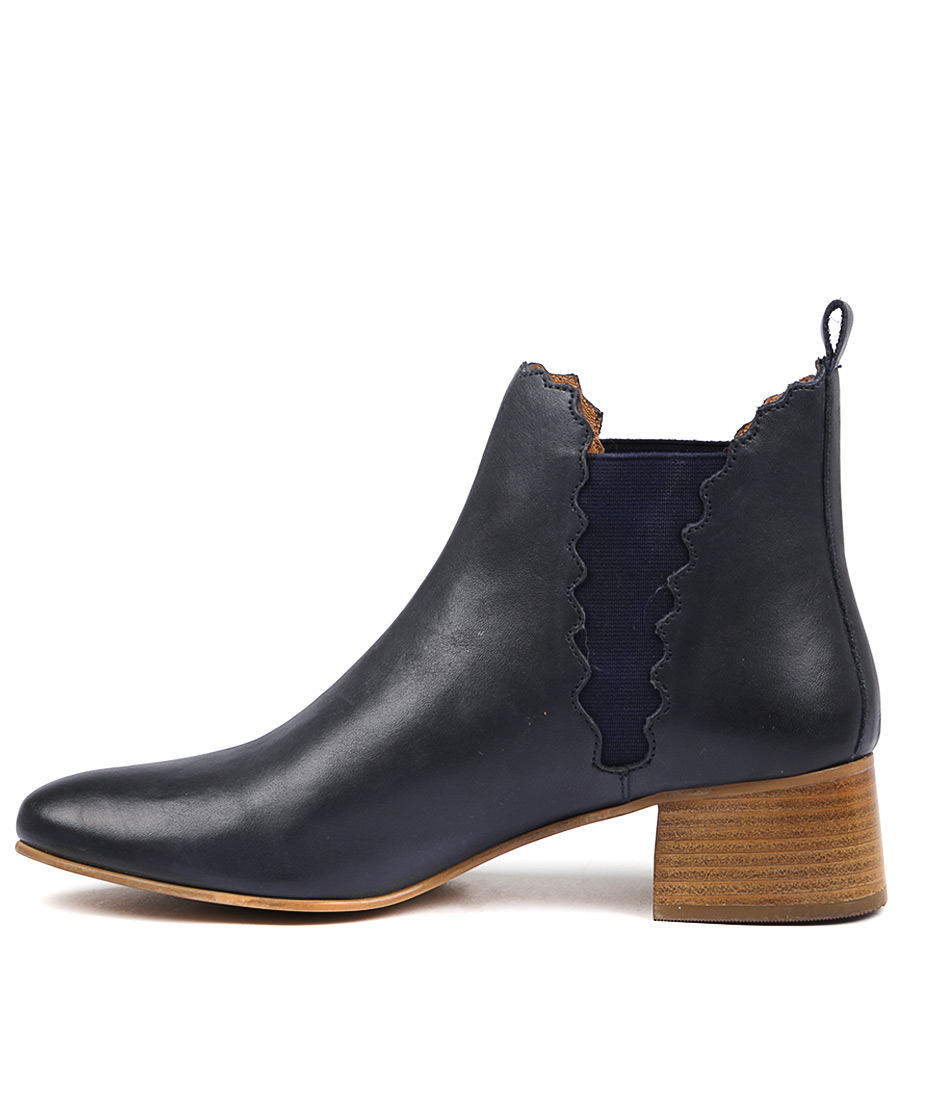 Valeria Grossi Crease W Navy Ankle Boots