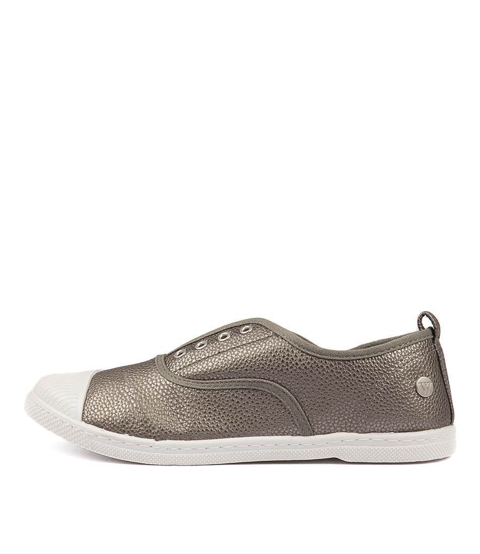 Walnut Euro Pebble Plimsole Pewter Flat Shoes