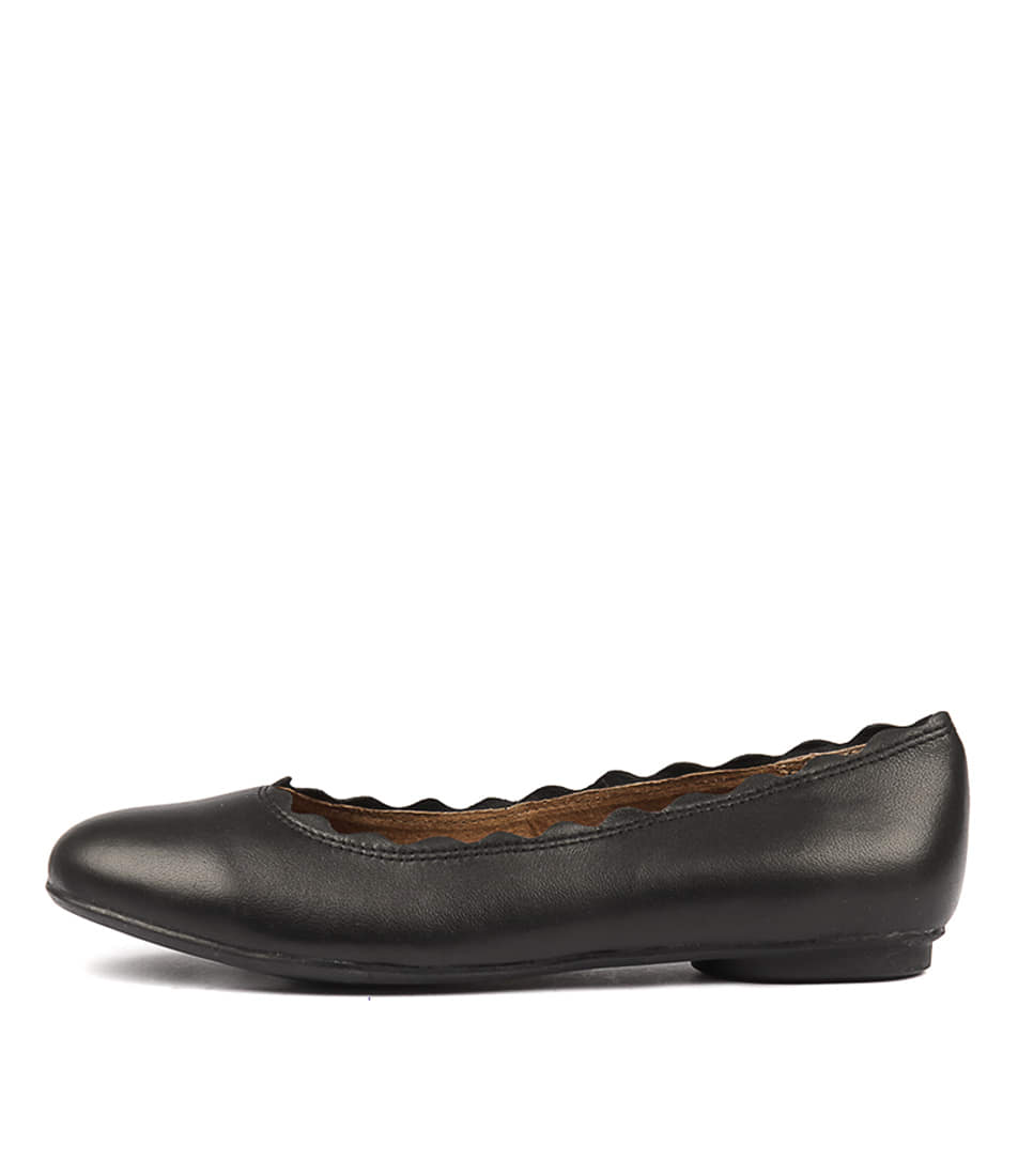 Walnut Rosa Ballet Black Flat Shoes