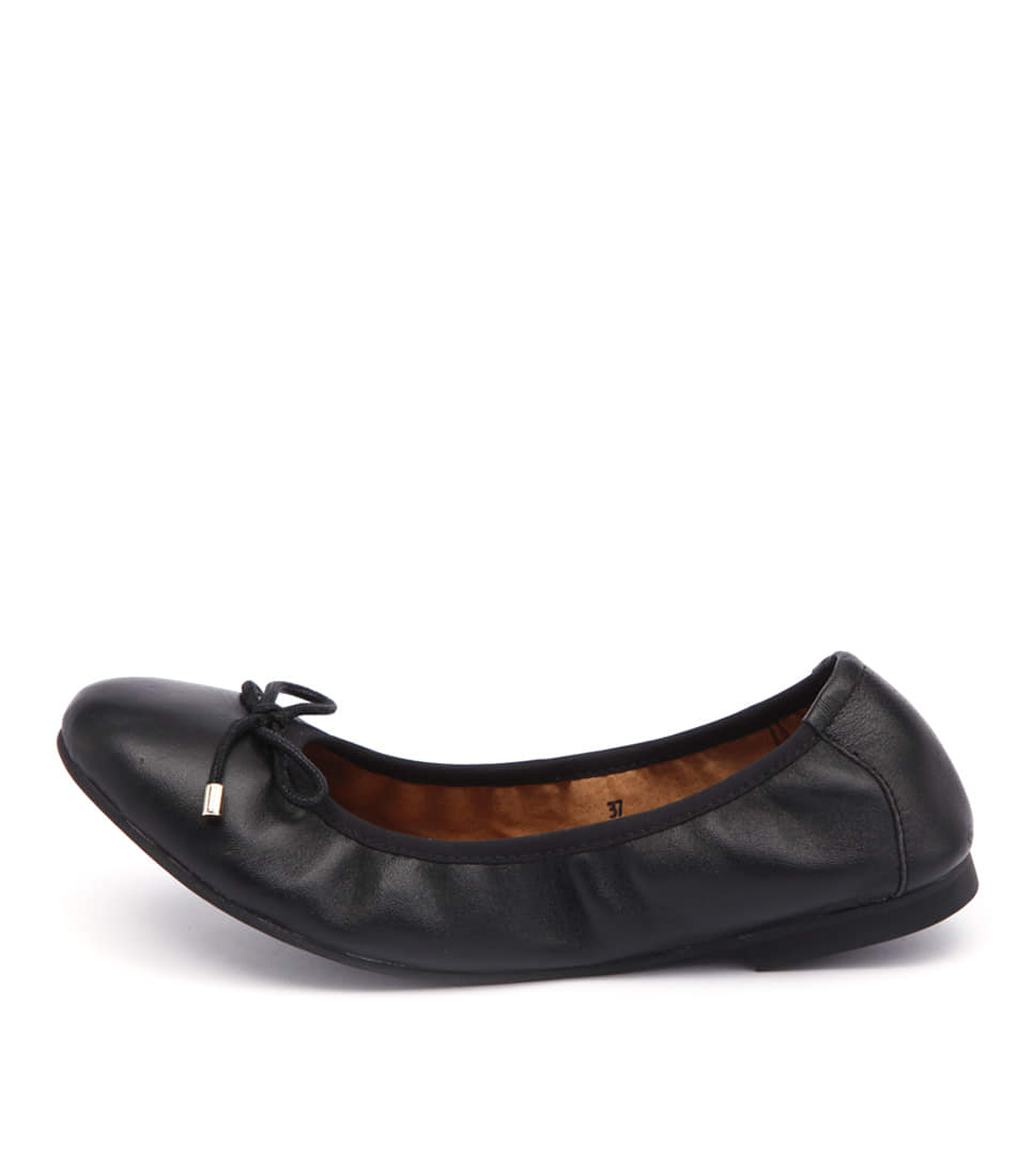 Walnut Chloe Wa Black Flats