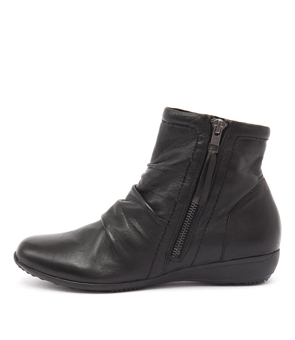 Zensu Naomi Ze Black Boots