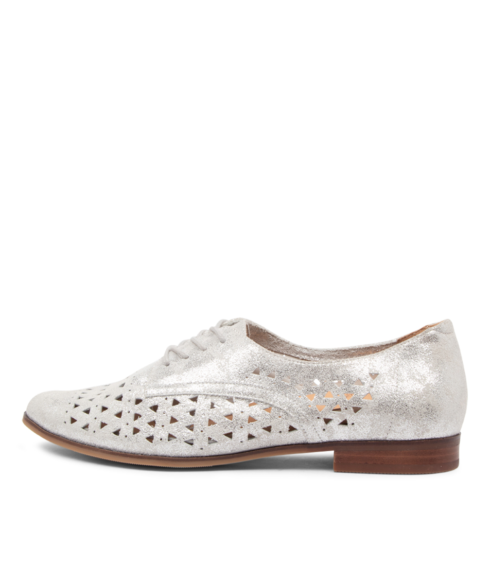 Buy Ziera Odie Ff Zr Silver Flats online with free shipping