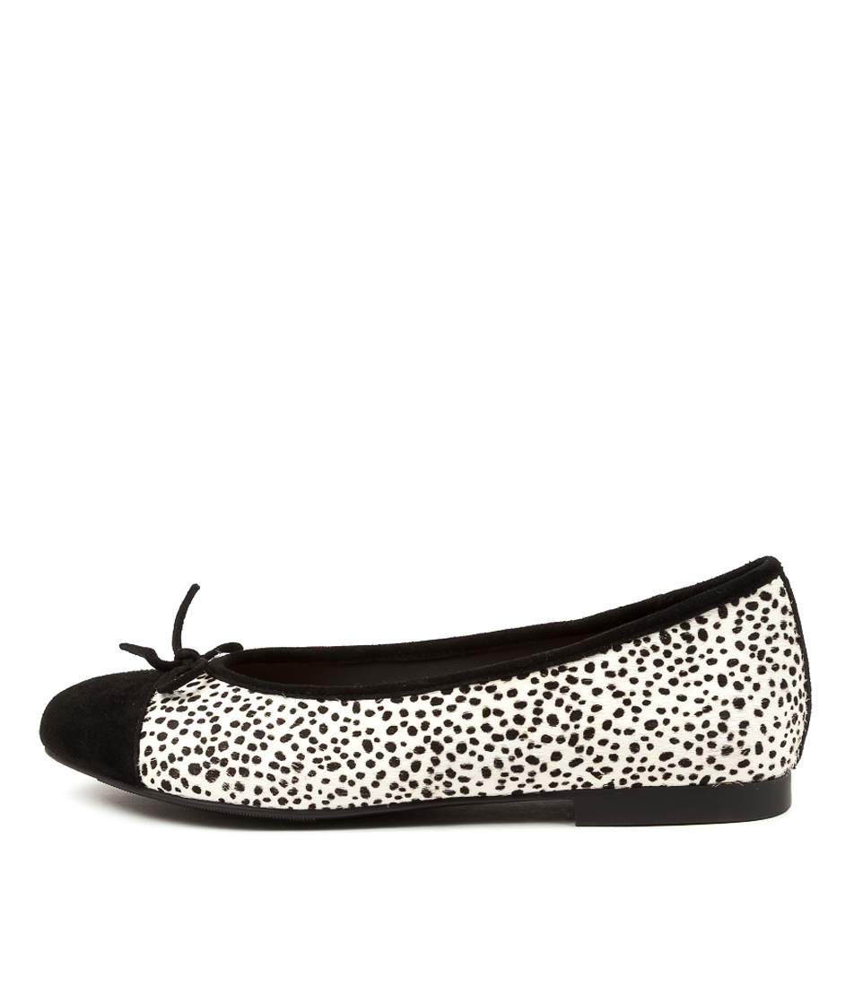 Buy Ziera Chelsea Xf Zr Black White & Black Flats online with free shipping