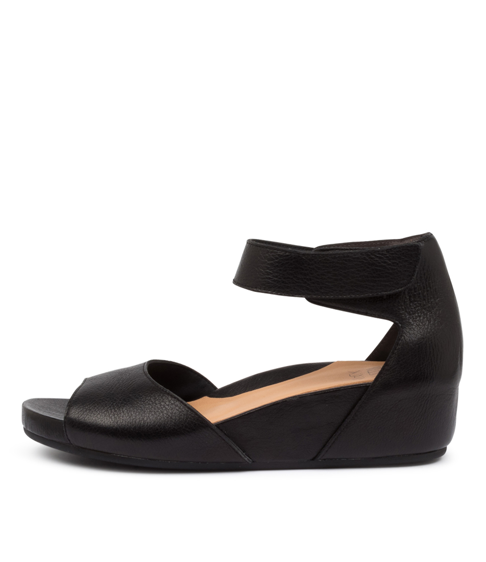 Buy Ziera Merri W Zr Black Flat Sandals online with free shipping