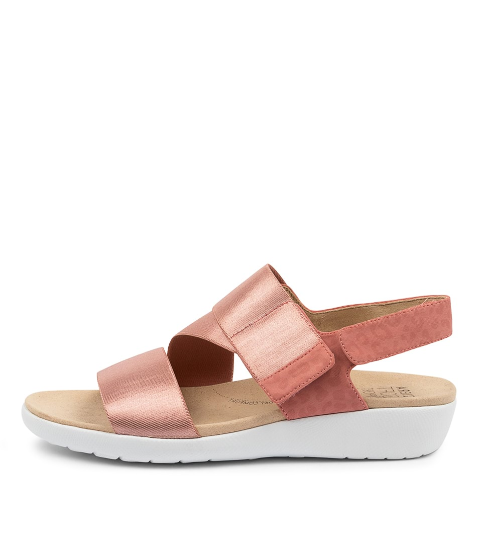 Buy Ziera Utune W Zr Toasted Flat Sandals online with free shipping