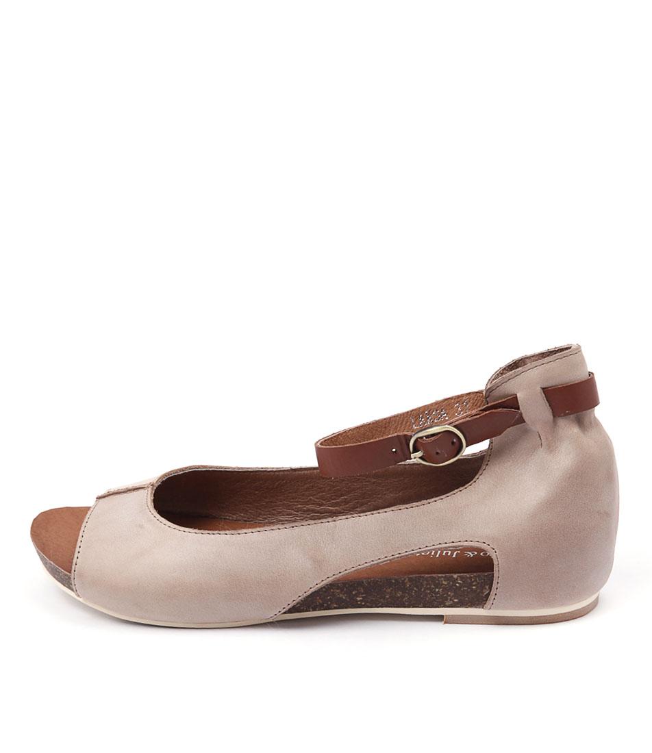 Django & Juliette Laksa Taupe Sandals