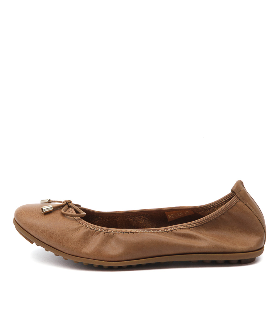 Django & Juliette Belin Tan Flat Shoes