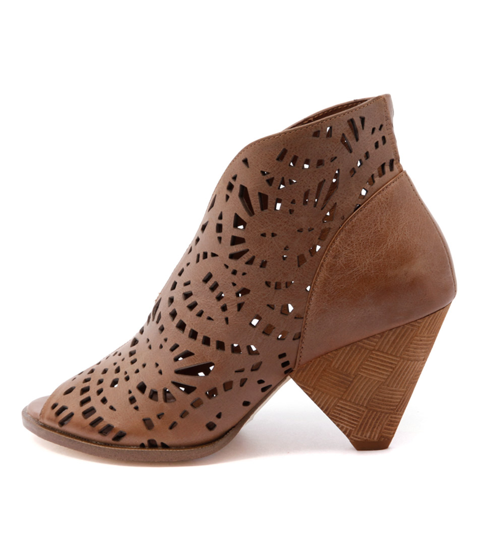 Django & Juliette Omero Tan Dress Ankle Boots