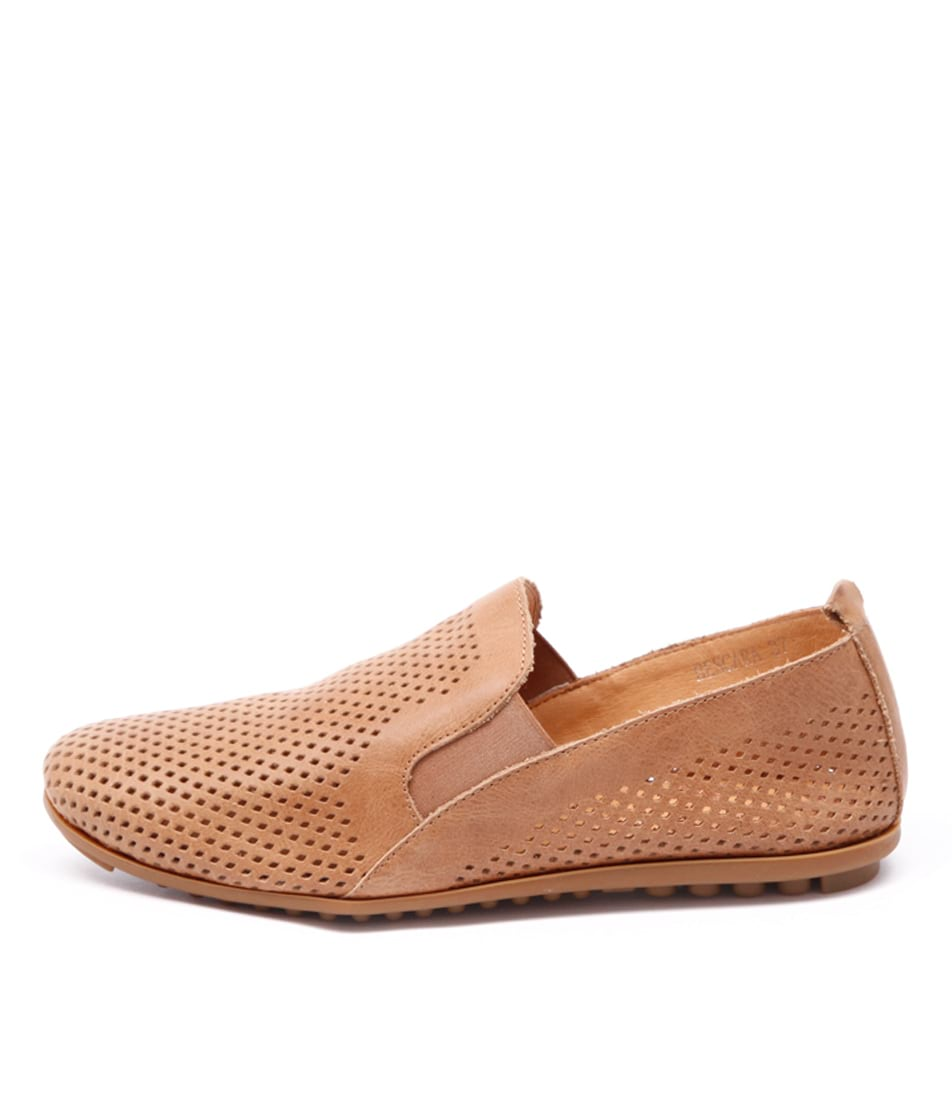 Django & Juliette Bescara Tan Comfort Flat Shoes