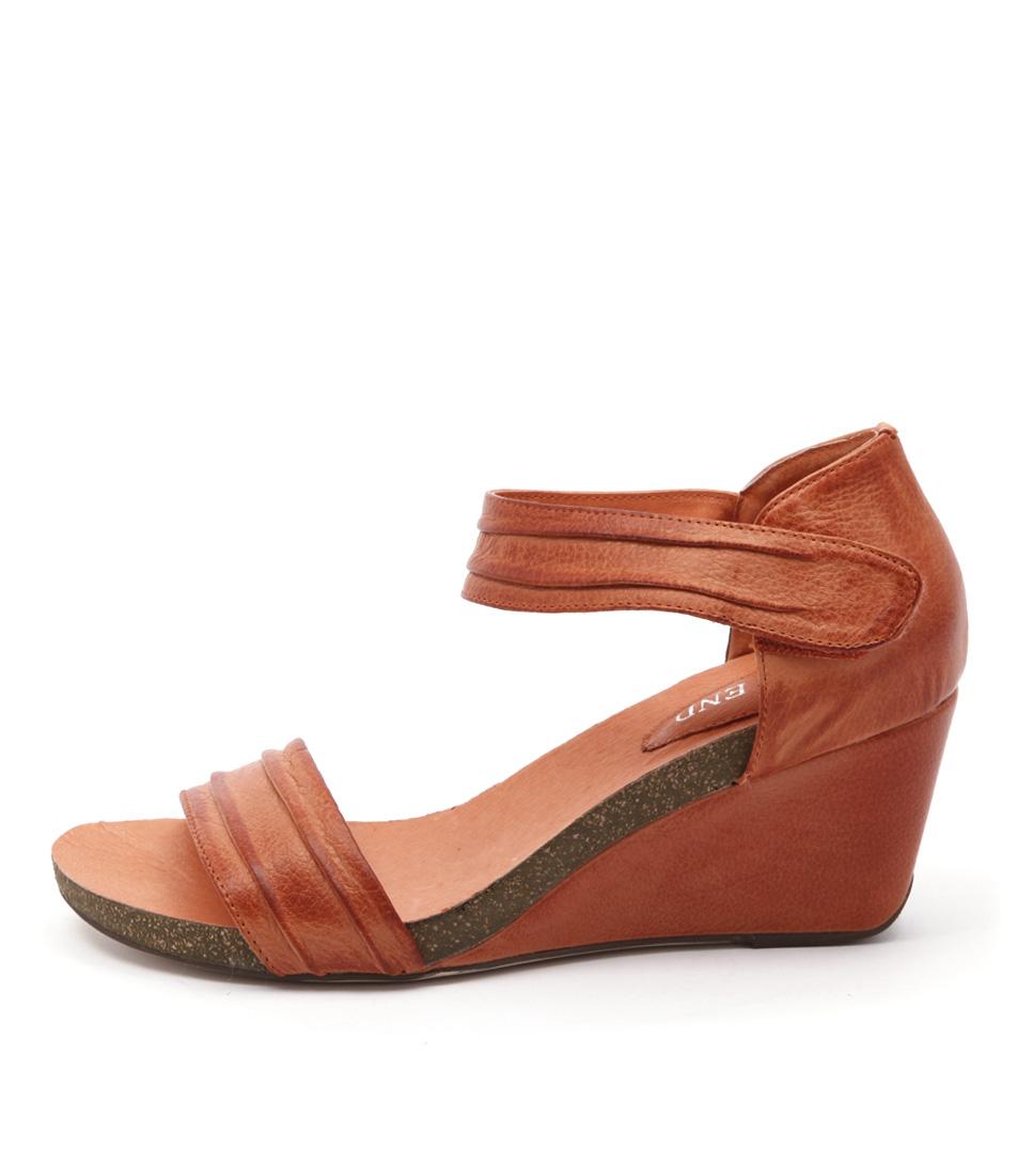 Top End Ruskatt Orange Sandals