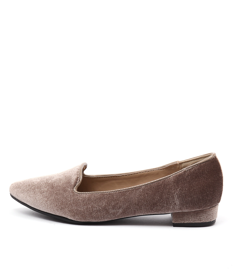 Lavish Sizzle Lv Taupe Casual Flat Shoes