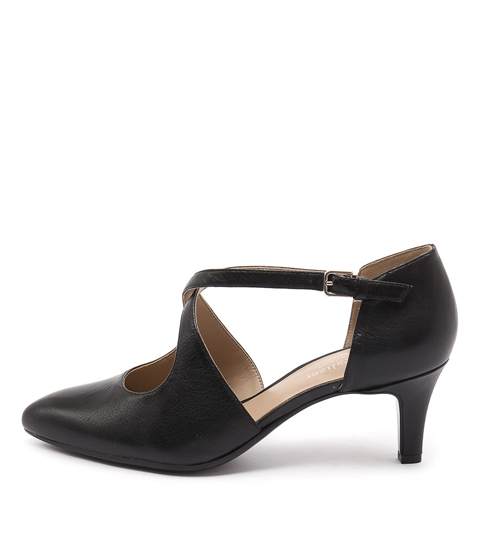 Naturalizer Okira Black Shoes