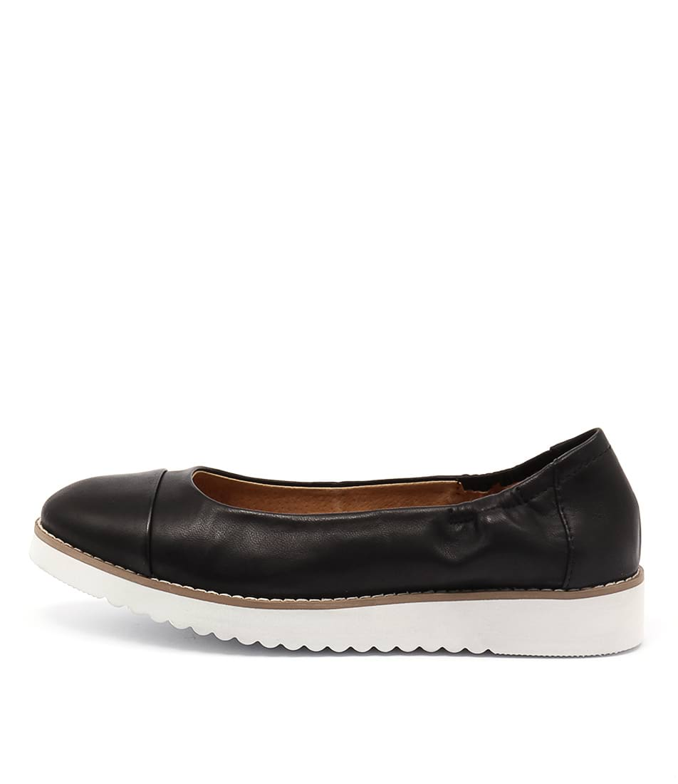 Walnut Prue Loafer Black Flat Shoes
