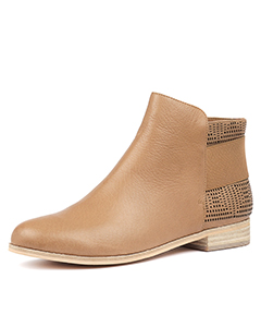 4fbad3f9223e Ankle Boots ...